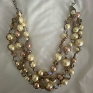 GORGEOUS 3 layer statement neutral bead necklace